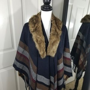 Cape, Oversized scarf with removable fur collar